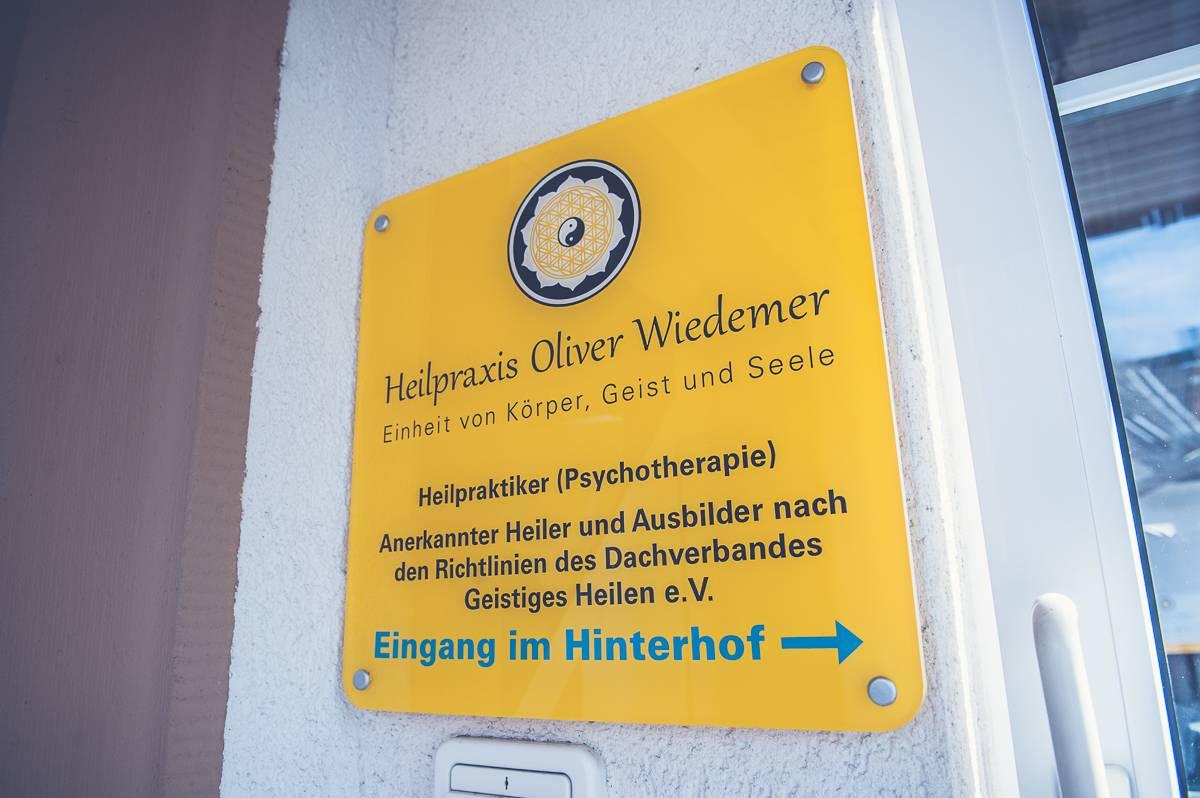 Schild Beschriftung Heilpraktiker